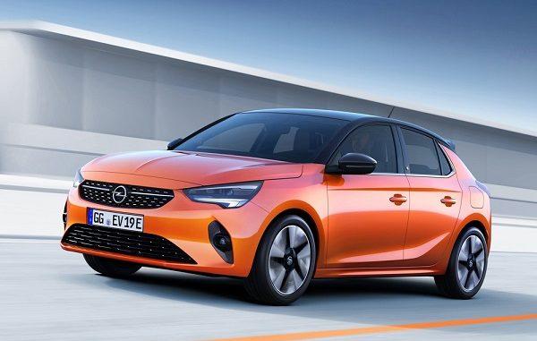 Opel Corsa Altın Direksiyon ödülü.