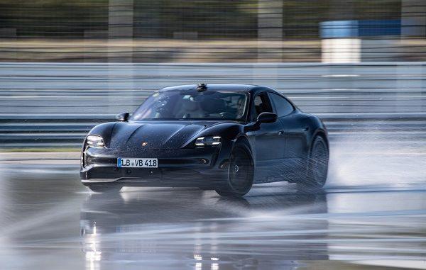 Porsche Taycan Guinness Rekorlar Kitabı.
