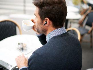 LG TONE Free kablosuz kulaklık.