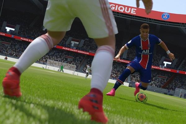 FIFA online 4 açıldı.